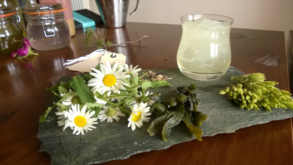 "Foraged cocktail: ""Islay Spring"""